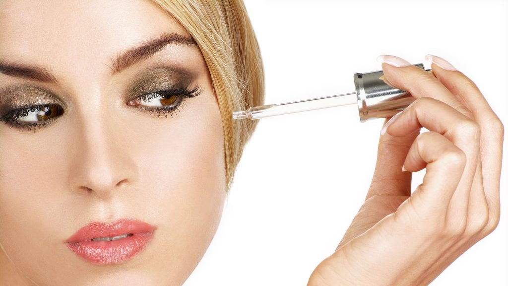 10 contornos de ojos y serums bio ¡que te dejarán la piel como nueva!