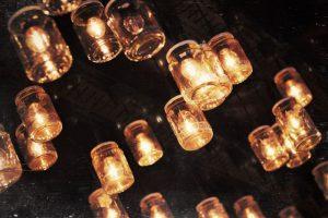 DIY: lámpara con botes de cristal